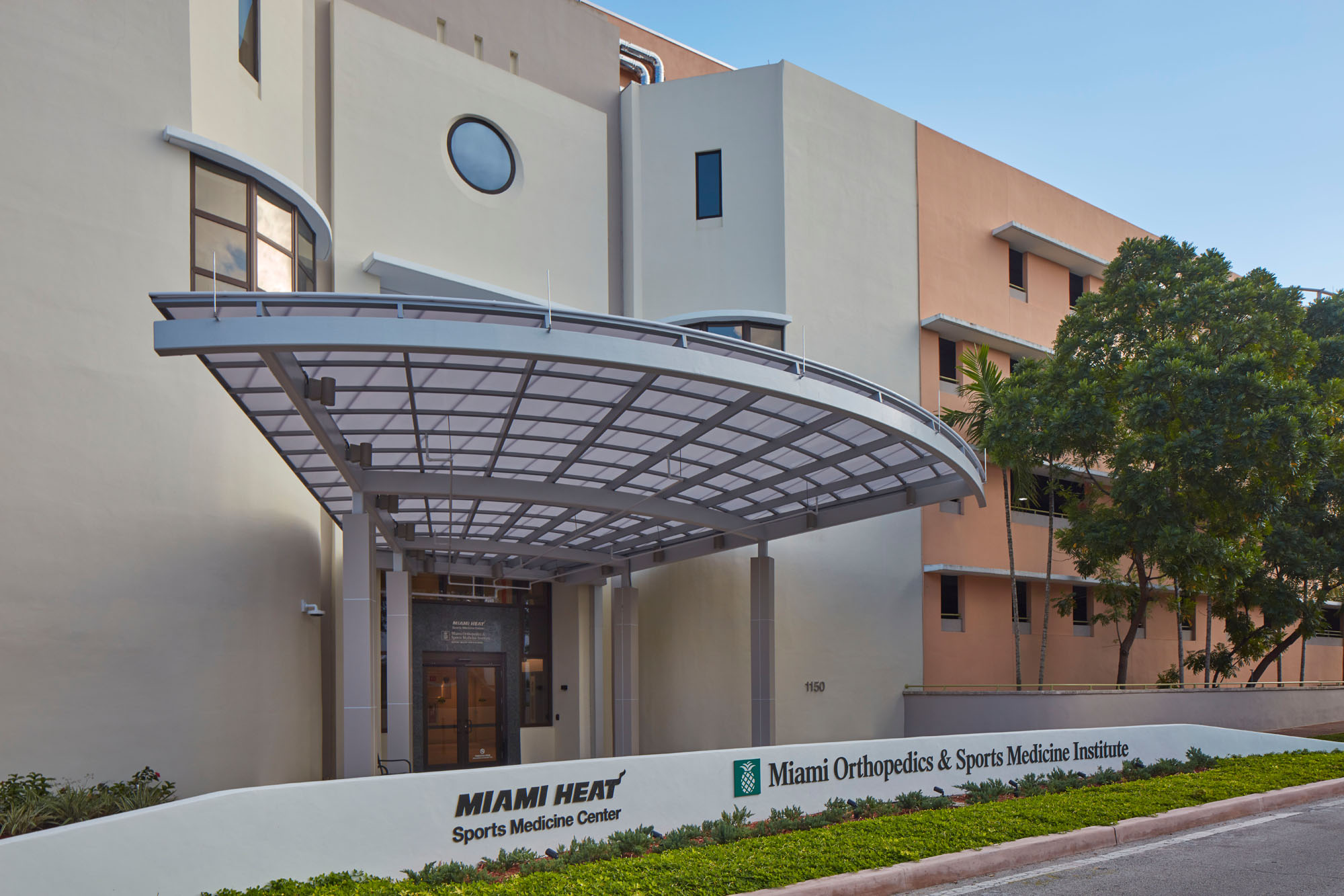 NELSON Worldwide renovates Miami HEAT Sports Medicine Center at Baptist Health